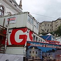Arbeiter atmen Kohlenstoffmonoxid auf Baustelle am Justizgebäude ein