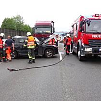 11.05.2018 07:15 Schwerer Auffahrunfall zwischen LKW und PKW auf der A1 (S)