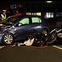 Pkw contra Motorrad auf B159: Biker bei Hallein schwer verletzt