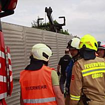 Tiertransport-Anhänger stürzt auf der A10 bei Salzburg-Süd um