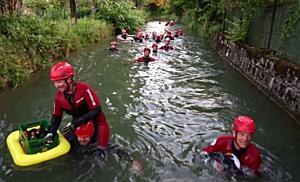 Almkanalschwimmen der Wasserretter in Salzburg