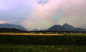 Blitzreicher Abend über Salzburg