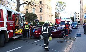 04.04.2018.18:15 Frontalkollision in der Schwarzstraße (S)