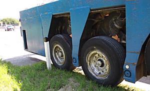 Lkw verliert Hydrauliktank auf A1 bei Salzburg
