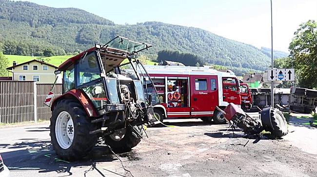 Schwerer Verkehrsunfall auf B1 in Hallwang