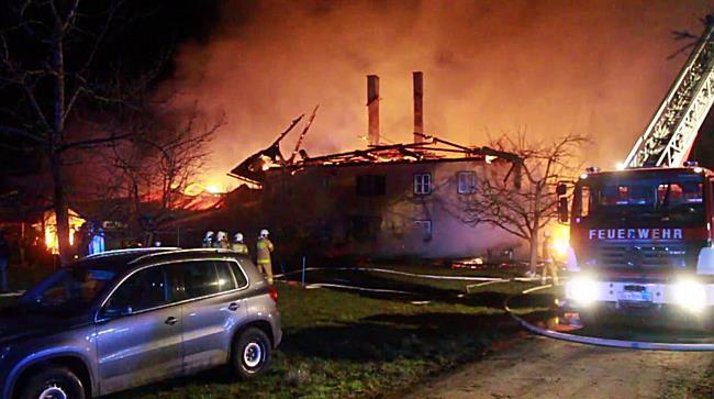 Großbrand bei Bauernhof in Seekirchen