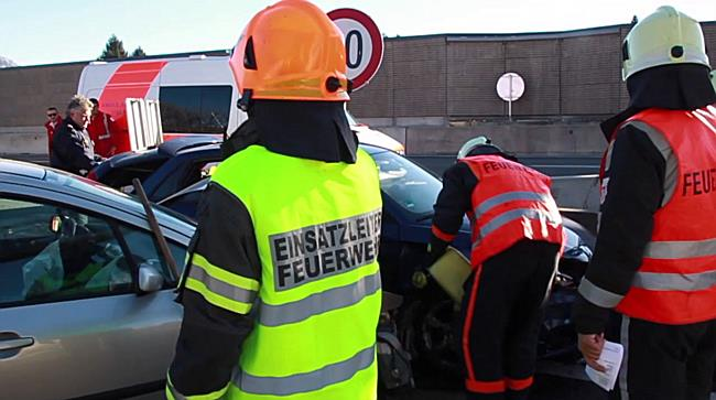 Unfall auf der A1 bei Salzburg-Mitte fordert zwei Verletzte