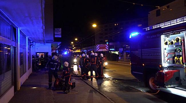 Pizzeria brennt in Salzburg-Gnigl